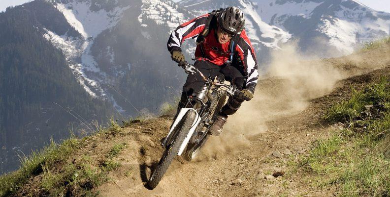 Mountain-Biking-rvd